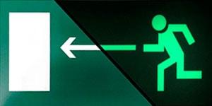 Фотолюминесцентный эвакуационный знак выход налево ФЭС E04