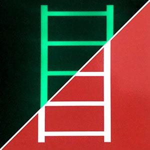 Знак пожарной безопасности Пожарная лестница F 03