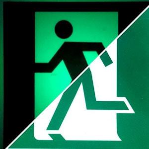 Фотолюминесцентный эвакуационный знак Выход здесь (левосторонний) ФЭС E 01 01